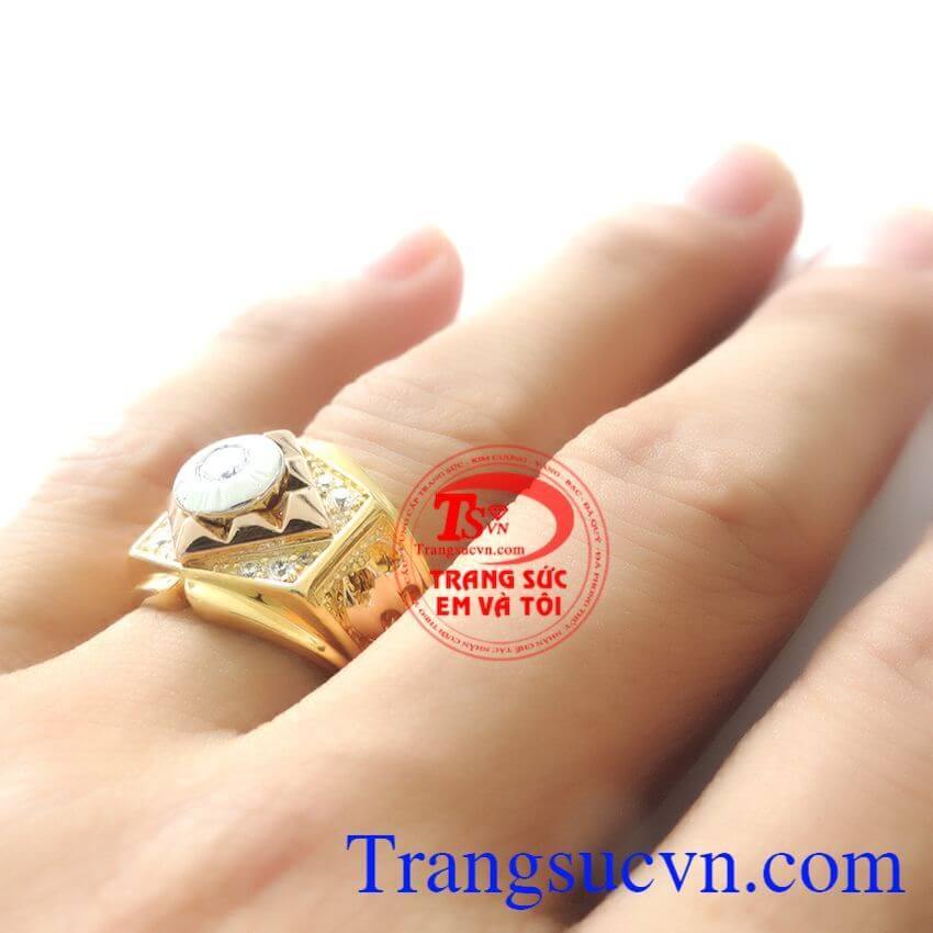 Nhẫn nam Italy 18k 750 nhập khẩu nguyên chiếc,Nhẫn nam Italy 18k bảo hành 1 năm,Chiếc Nhẫn nam Italy 18k vàng đúc nguyên khối với vàng màu, vàng hồng, vàng trắng là chiếc nhẫn bền đẹp sang trọng cho người đeo